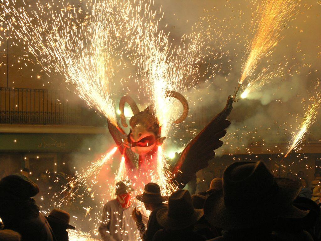 Correfoc-необычная каталонская традиция