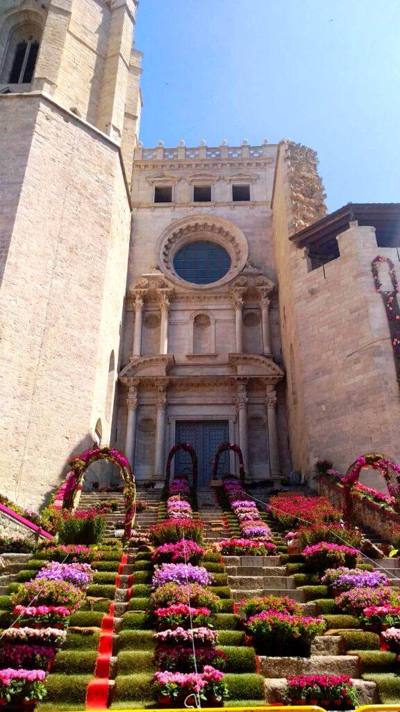 Весенние праздники в Каталонии