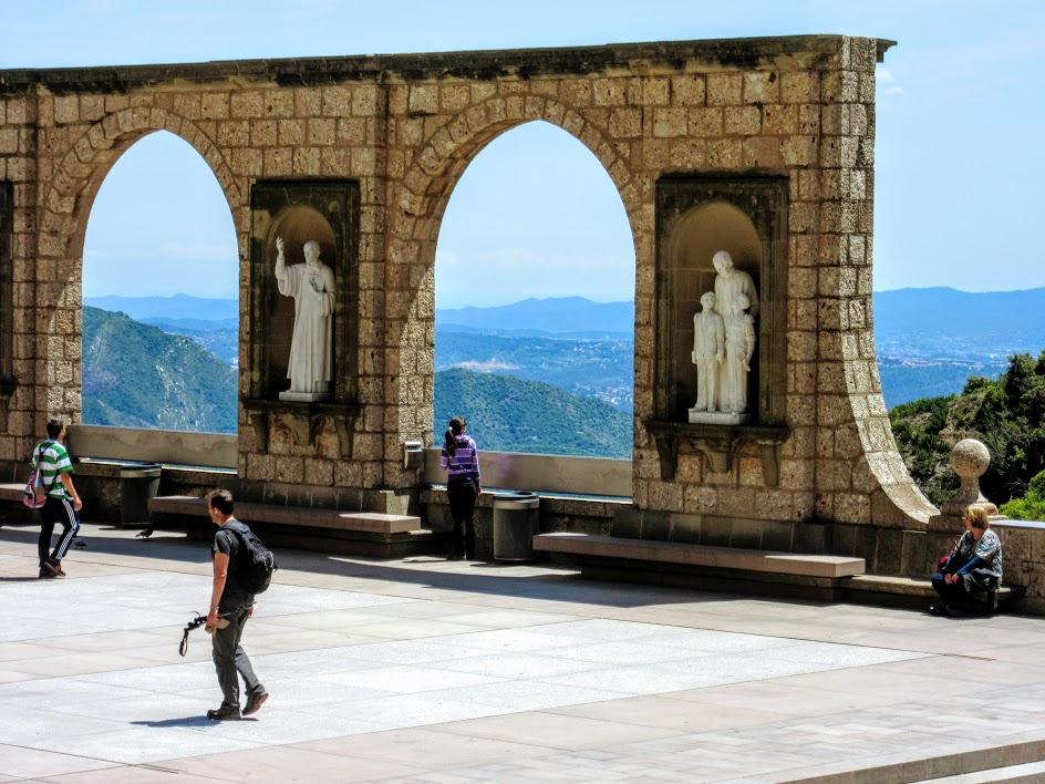 гора и монастырь Монтсеррат