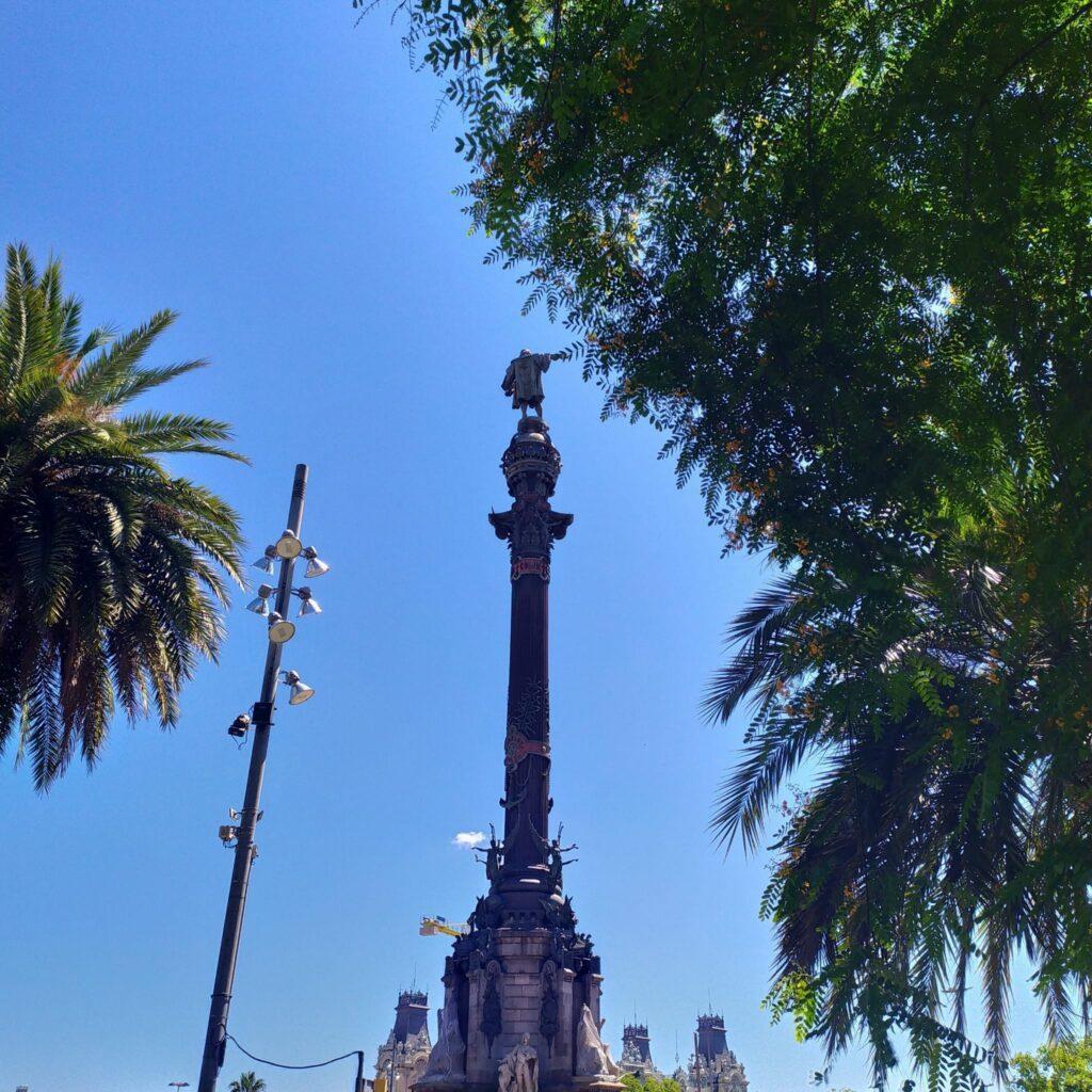 статуя Колумба в Барселоне